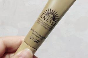 清爽不咬肌膚 適合炎炎夏日 都拿來當妝前乳使用  是年年夏日必買的好物